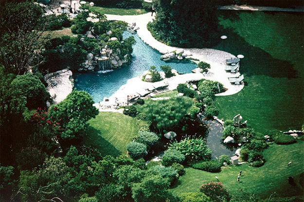 Playboy Mansion Pool And Grotto Turns 40 Aqua Magazine