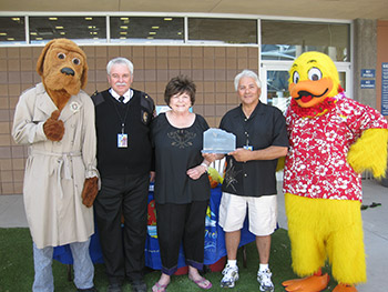 photo of Vassallo winning a 2014 Lifesaver Award