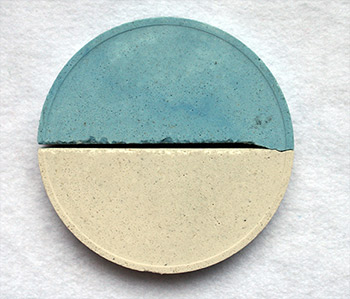 photo of a pool plaster showing fading color