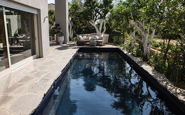 Concrete Pools in Days, Not Weeks - AQUA Magazine