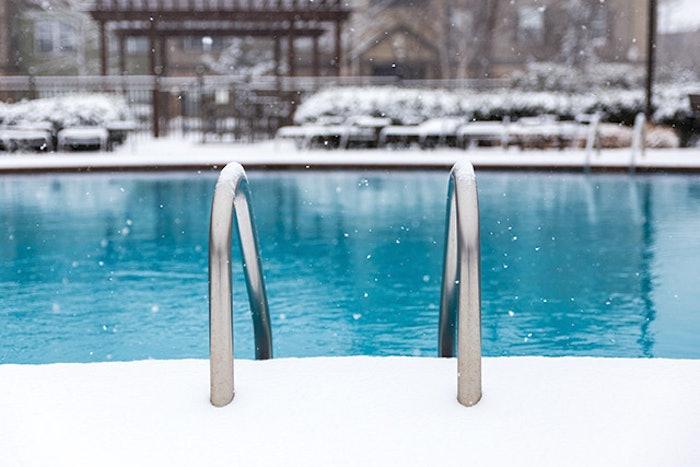 Winter Pool Scene 918 Feat