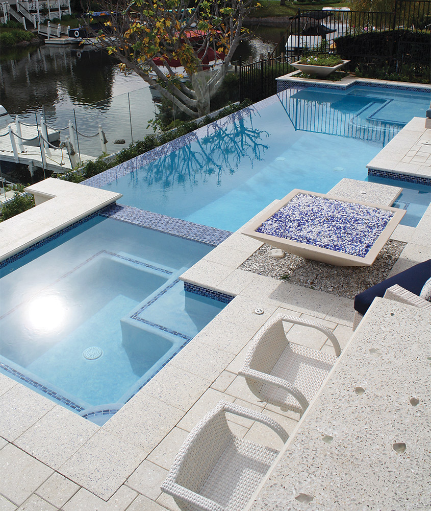 A pocket guide to building vanishing edge pools aqua for Pool negative edge design