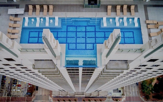 Transparent Pools: Over the Edge of Pool Design